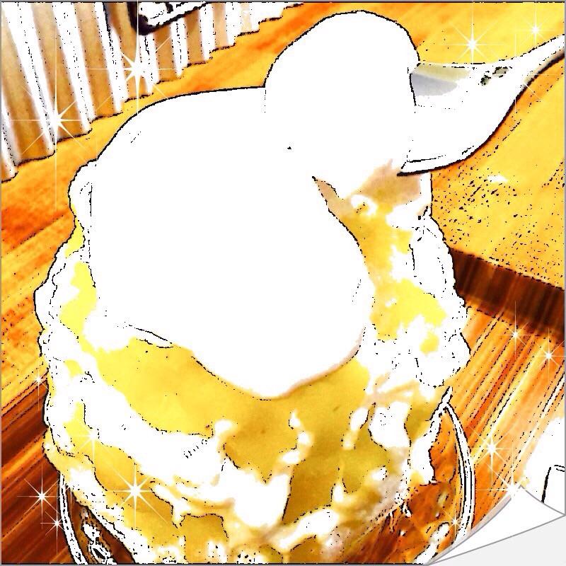 【グルメ探偵】スプーンでクリームをすくっているもの